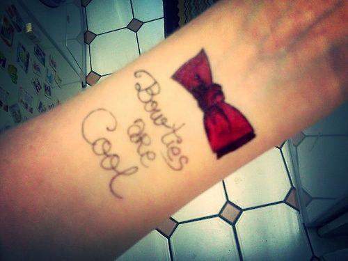 """Tattoo """"Bowties are Cool"""" Doctor who"""
