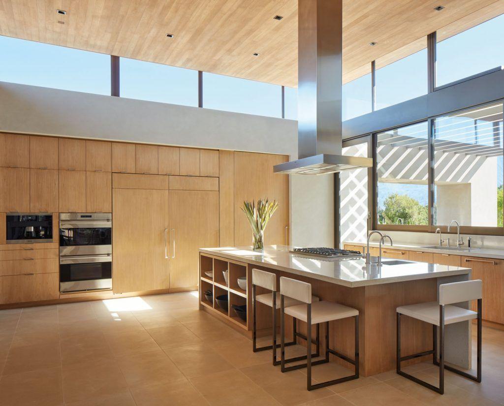 Marmol Radziner Crafts A Modernist Masterpiece In Palm Springs Galerie In 2020 Popular Kitchen Designs Kitchen Plans Kitchen Remodel