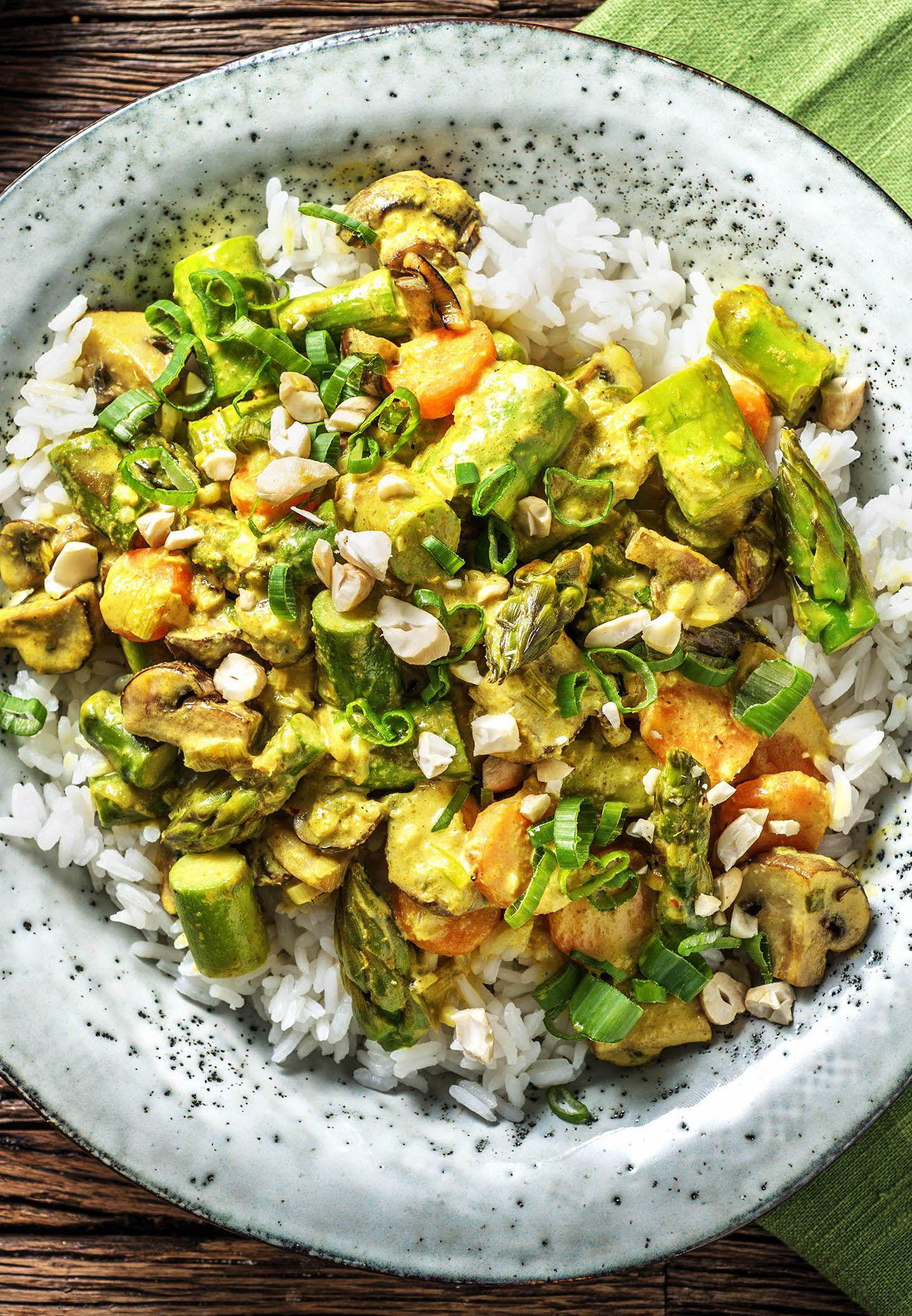Mildes, grünes Curry mit grünem Spargel Rezept   HelloFresh