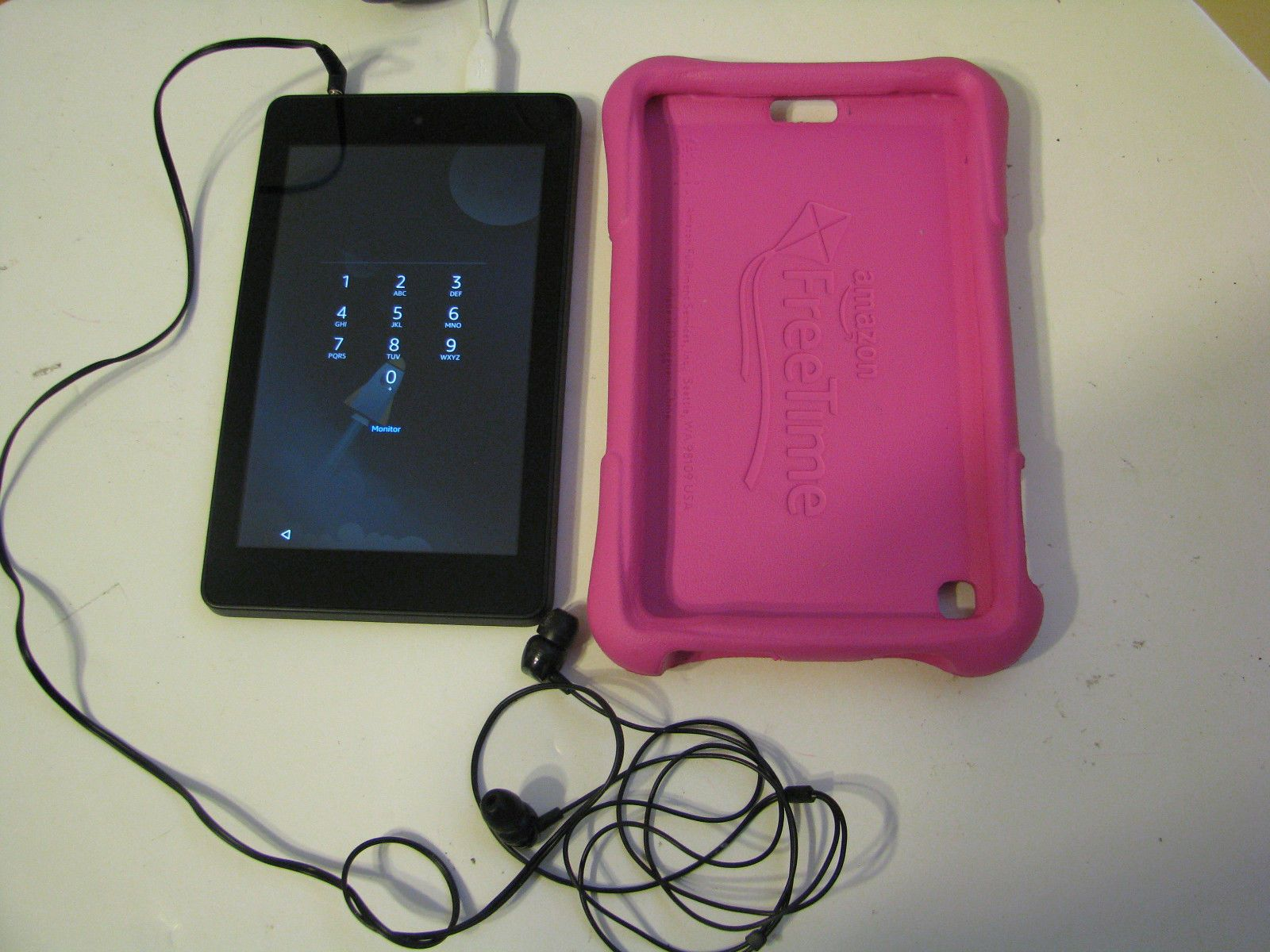 Amazon Kindle Fire HD 6'' PW98VM  Wi-Fi Tablet Black  https://t.co/fLXp8pi9ZO https://t.co/ntIzbBKgTa