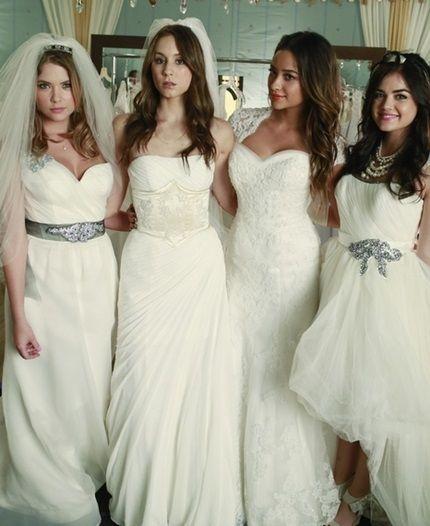 PLL 4x23 Emily Spencer Hanna y Aria vestidas de novia Series