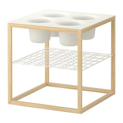 IKEA PS 2012 Tavolino con 4 ciotole IKEA Le ciotole sono utilizzabili sia come vasi da fiori che per servire stuzzichini.