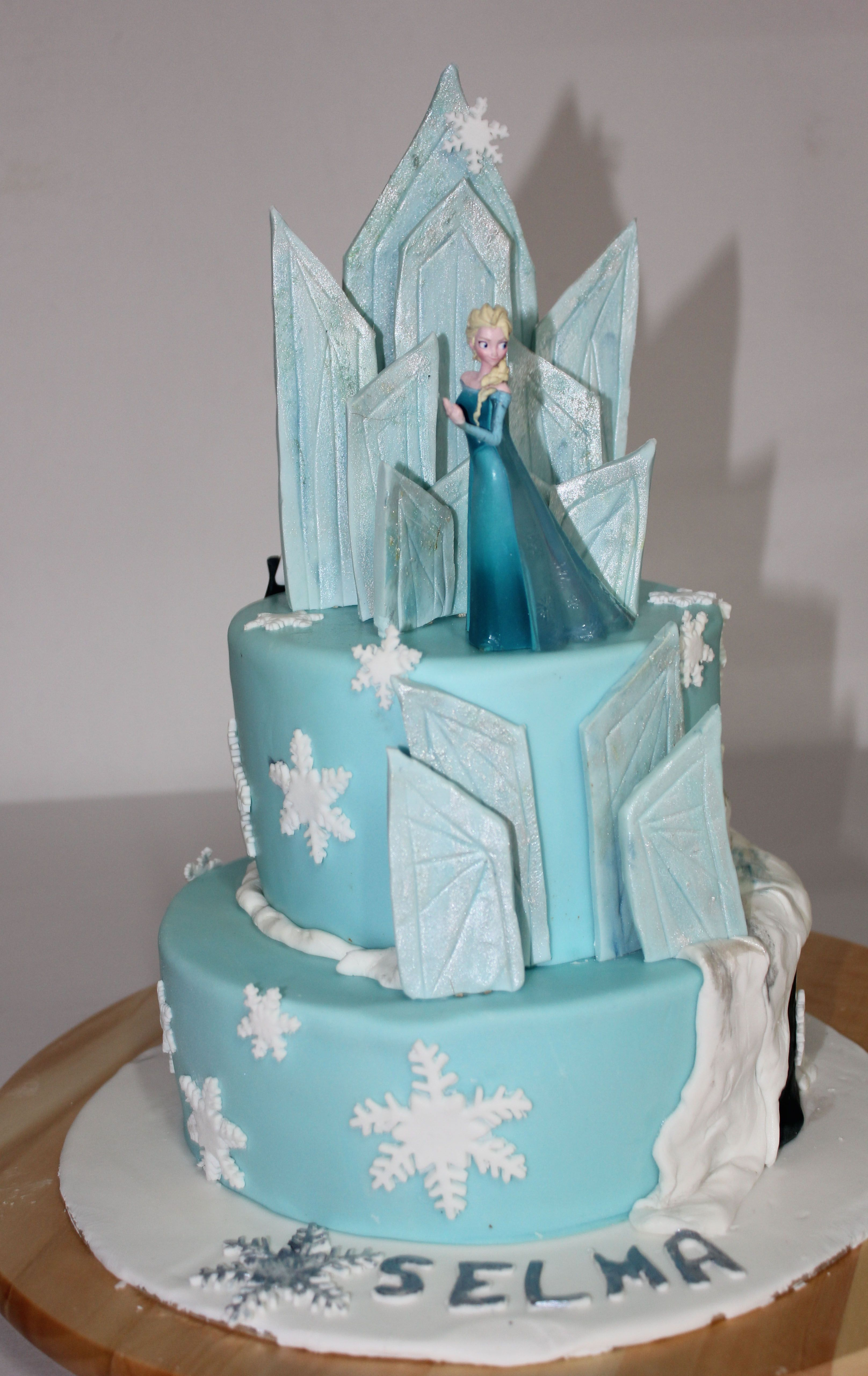 disney s frozen cake iii for the kids party eisk nigin torte kids stuff pinterest. Black Bedroom Furniture Sets. Home Design Ideas