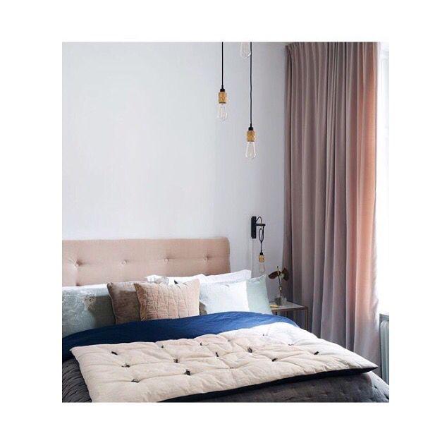 Måttanpassade gardiner i sammet, sovrummet tillhör Petra Tungården Bedroom inspiration