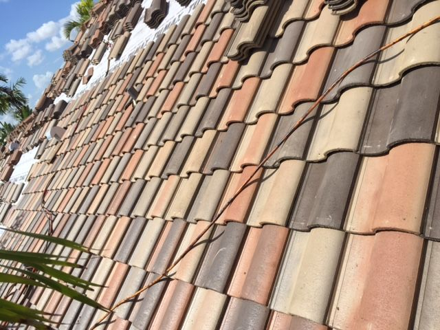 Walnut Creek Blend In The Capistrano Profile Concrete Roof Tiles Roofing Roof Tiles