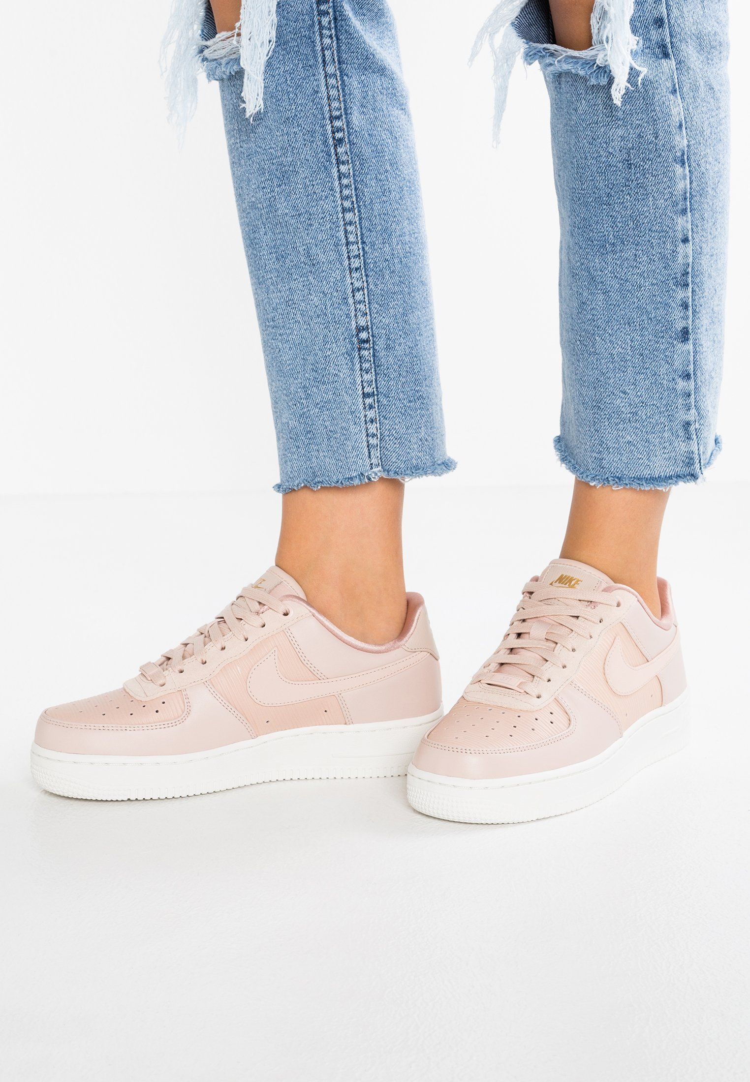super popular 93ec2 9f1e6 AIR FORCE 1  07 LX - Sneakers laag - particle beige summit white particle  pink metallic gold