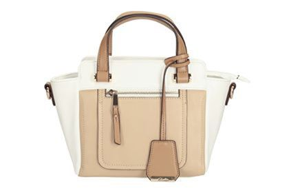 Purchase Las Handbags Online In India At Very Affordable Prices Clarks Is One Of The Top Leading Leather And Purses For Women A
