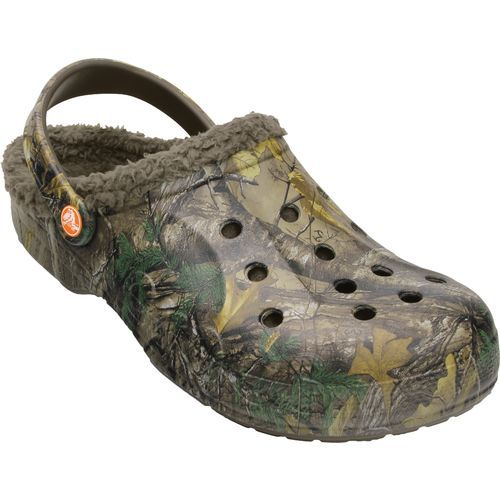 The Crocs™ Adults' Baya Lined Realtree Xtra Clogs are made of lightweight  Croslite™ material and feature a Realtree Xtra camo pattern.