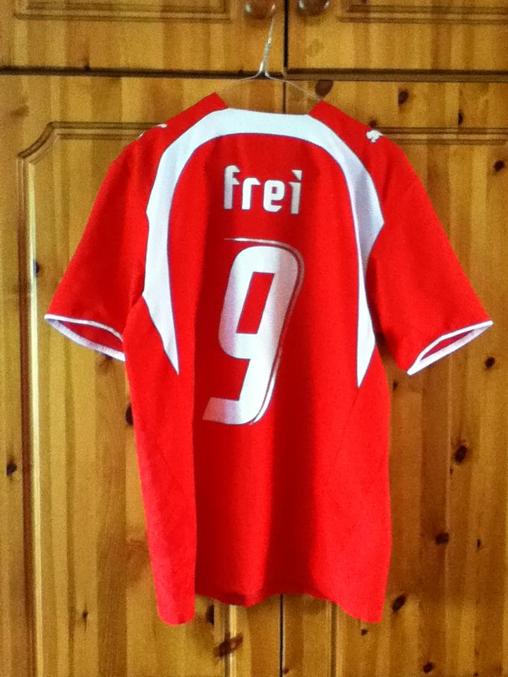 Switzerland Swiss National Football Home Jersey World Cup 2006 The Shirt Has The Name Frei 9 On The Back The Shirt Siz Soccer Jersey Jersey National Football