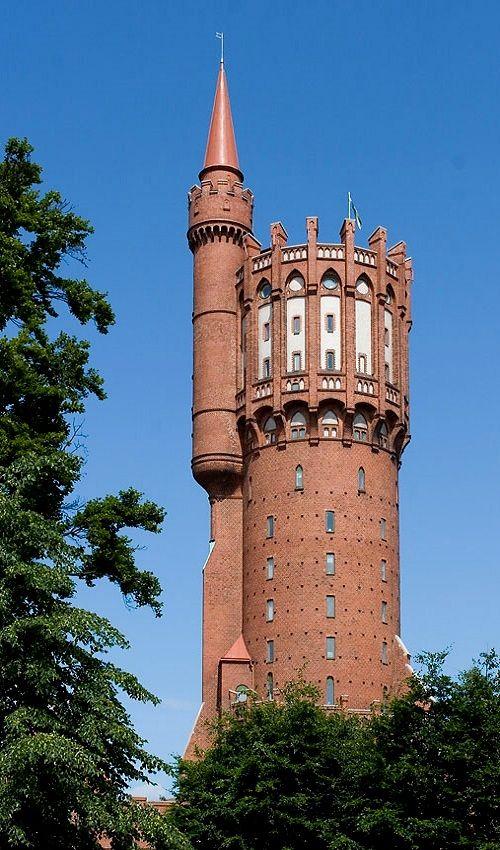 The Old Water Tower In Landskrona Sweden By Werner Nienstedt Wasserturm Turm Backsteinbau