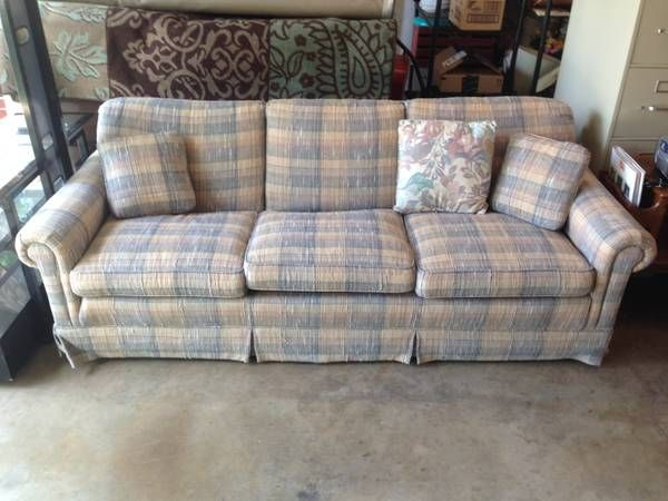 Pin By Dallas Hudgens On Craigslist Couches Couch Love Seat Home Decor