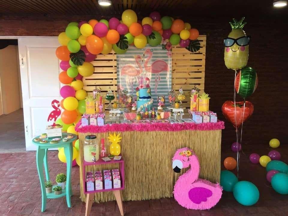 Angy's Flamingo birthday party   CatchMyParty.com #tropicalbirthdayparty