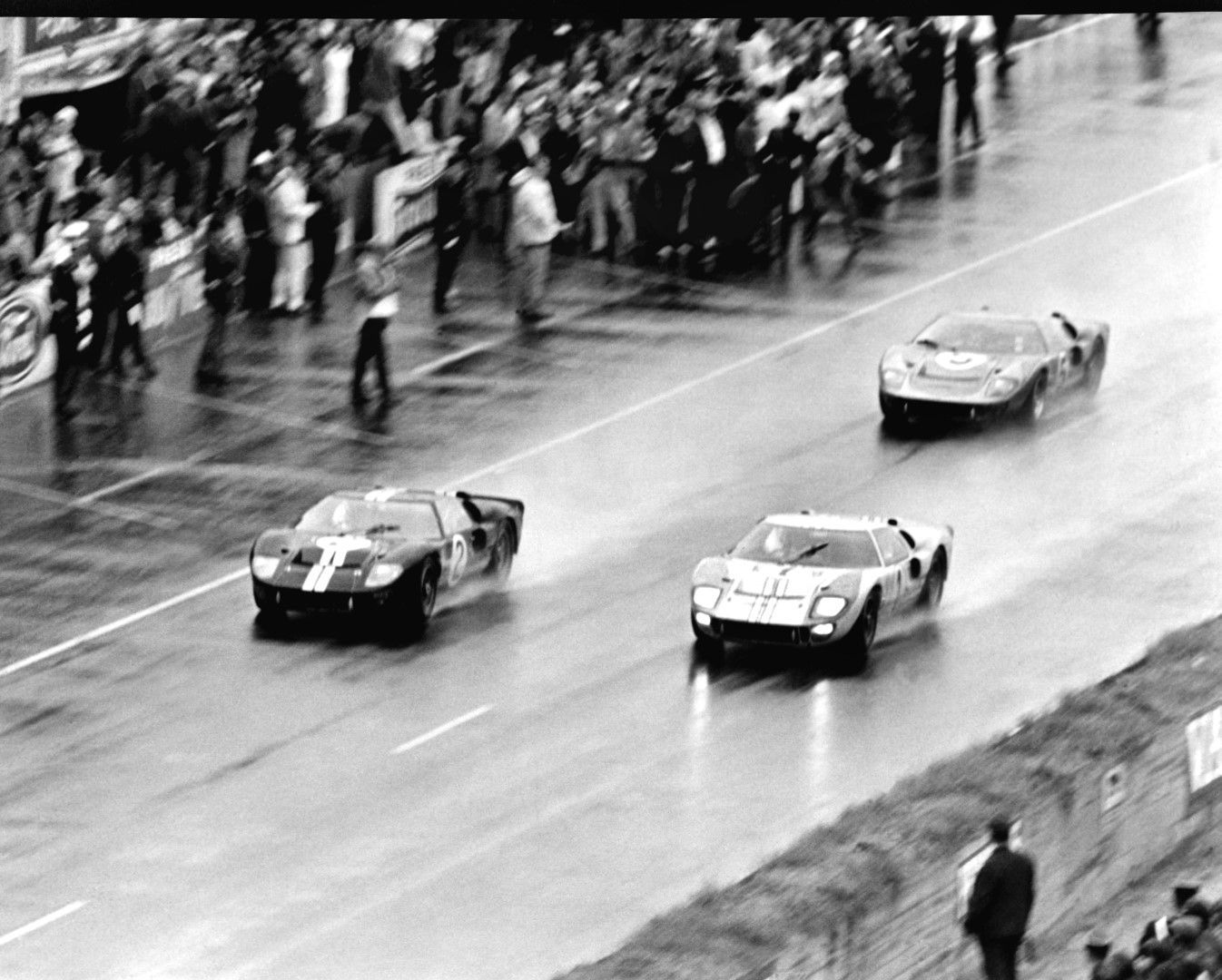 Trio Of Ford Gt40 Mk Iis Cross Finish Line At Le Mans 1966 Ford Racing Ford Gt40 Ford Gt