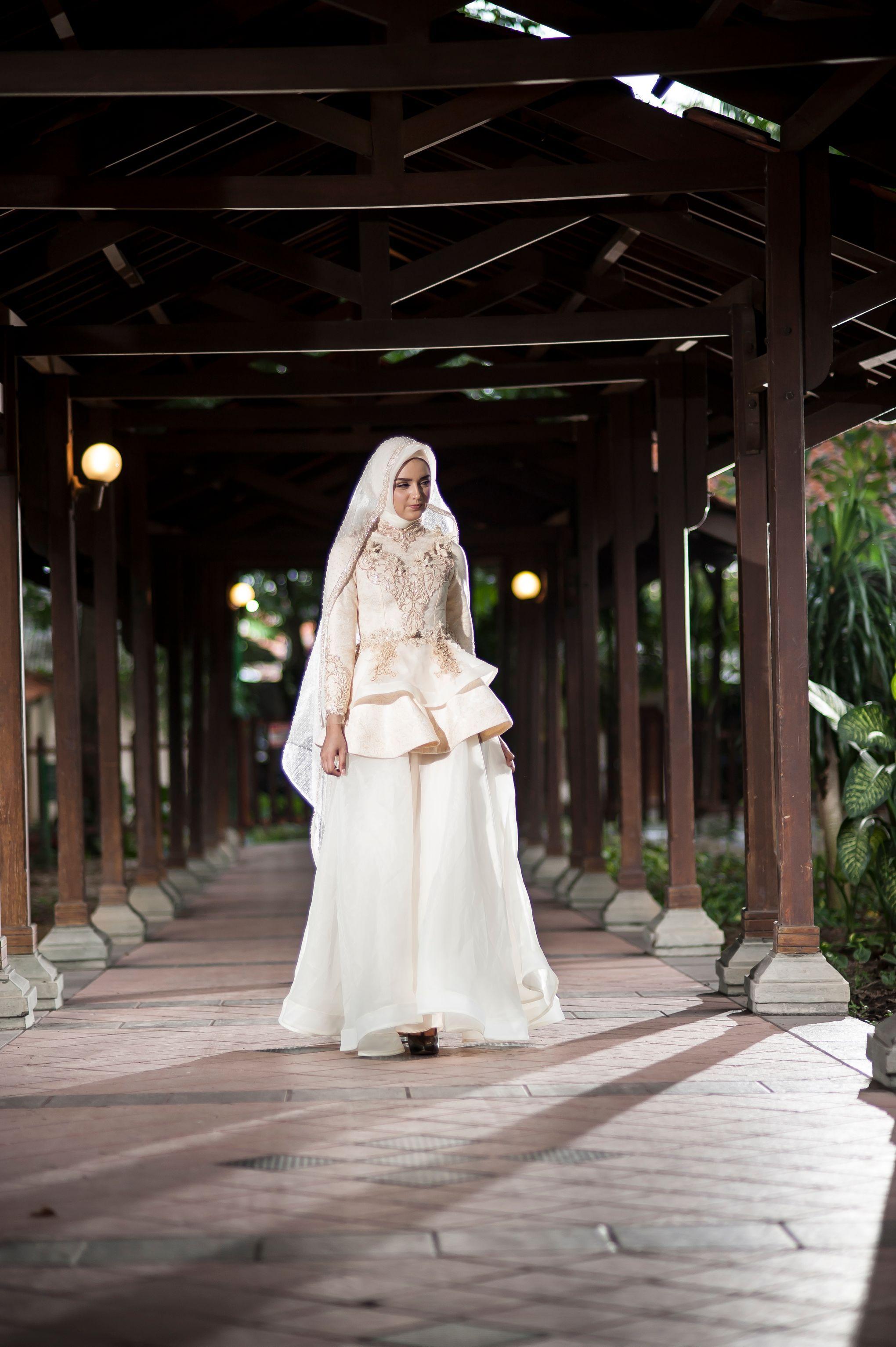 Wedding dress for body type quiz  LAKSMI ISLAMIC BRIDE  Kemilau Senja by LAKSMI  Kebaya Muslimah
