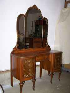 Vintage Thomasville Chair Company Bedroom Set: Bed, Vanity ...