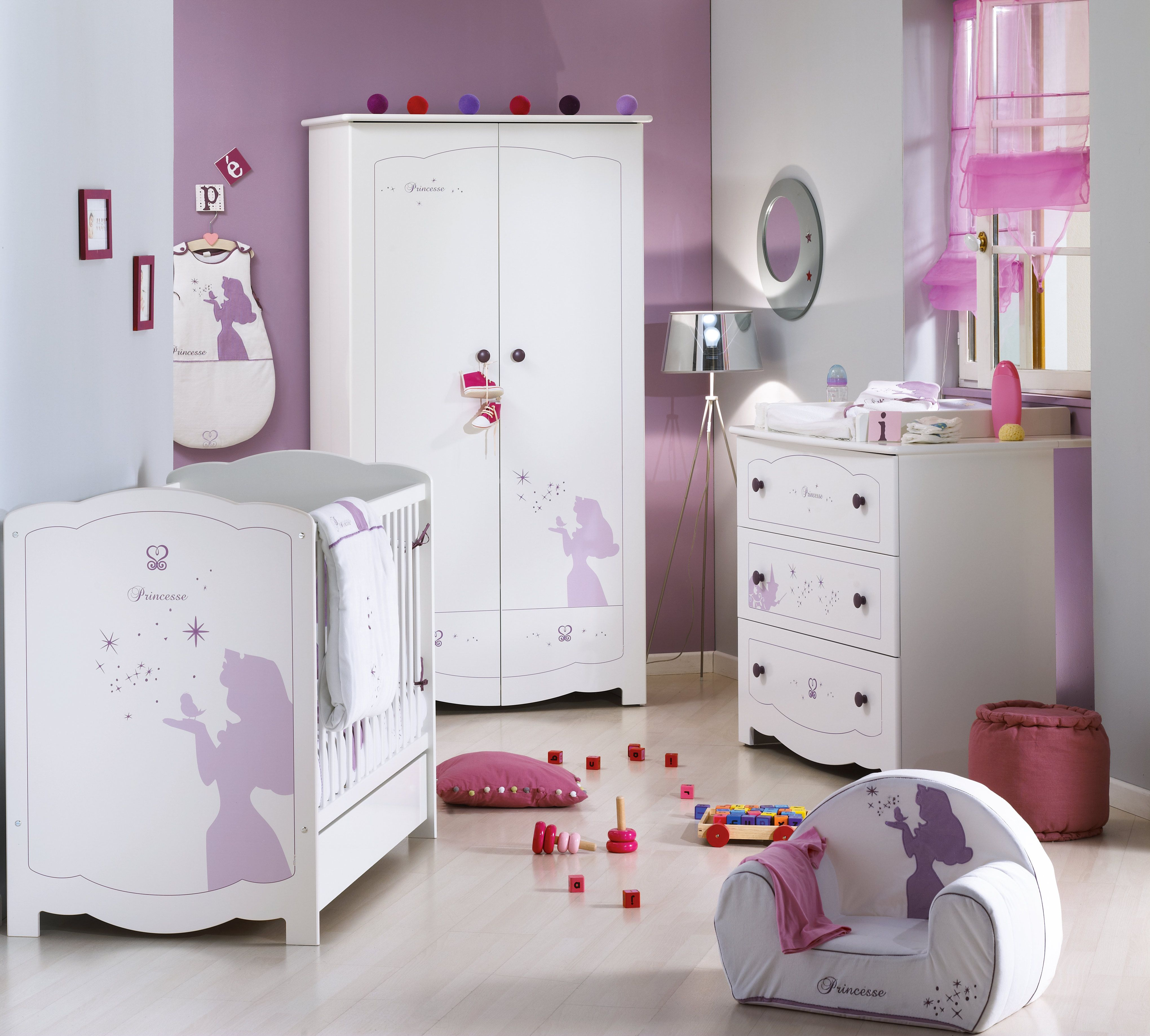 chambre d 39 enfant ambiance princesse disney aubert disney. Black Bedroom Furniture Sets. Home Design Ideas