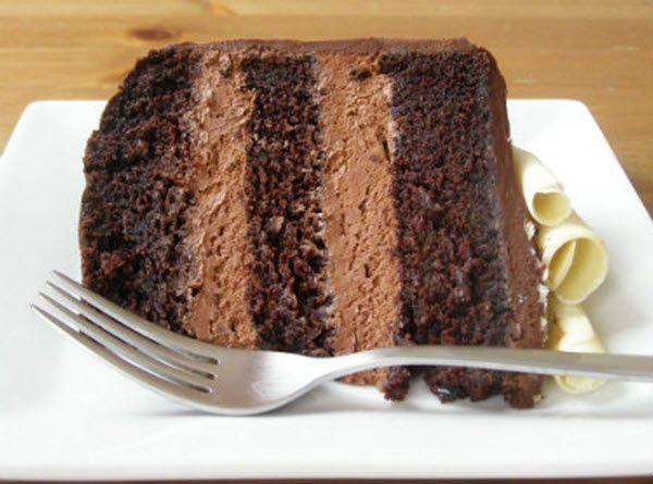 Dá para imaginar um cupcake ou bolo delicioso com recheio de mousse de chocolate? Então nem imagine, faça esta receita e prove!