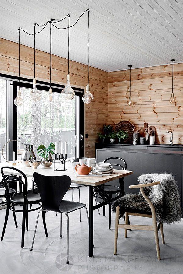 decordemon Modern wooden house in Finland by Krista Keltanen - küche mit esszimmer