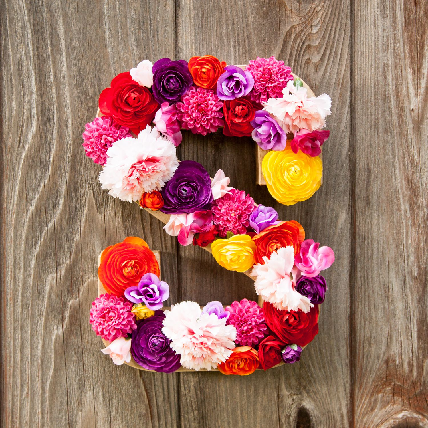 Diy Flower Letter Flower Letters Crafts Diy Flowers