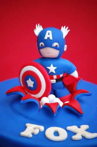 A Little 7 Captain American Cake For Fox S 5th Birthday I Made Matching Cookies For Party Favours The Fi Captain America Cake Superhero Cake Captain America