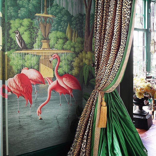 Hand Painted Wallpaper By Degournay Is Pure Magic Inside Kenfulk S Playful Dining Room For Kbshowhouse Chinoiserie Chic Show Home Bohemian Style Bedrooms