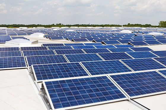 Solar Pv Modules Mounted On A Flat Roof Solar Panels Best Solar Panels Residential Solar