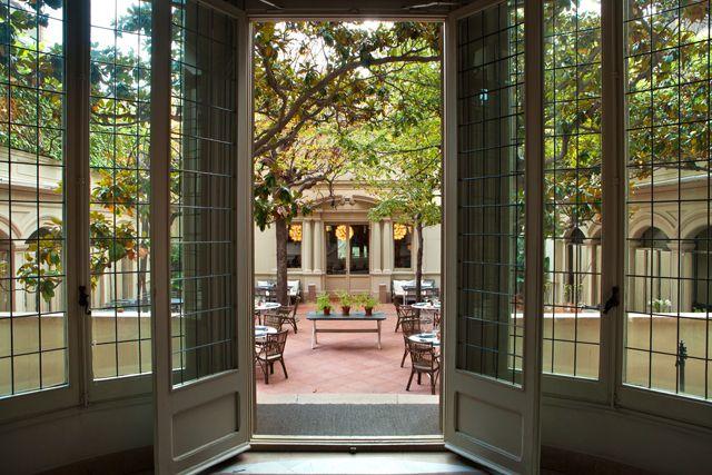 La terraza jardín secreta del restaurante el Principal abre las