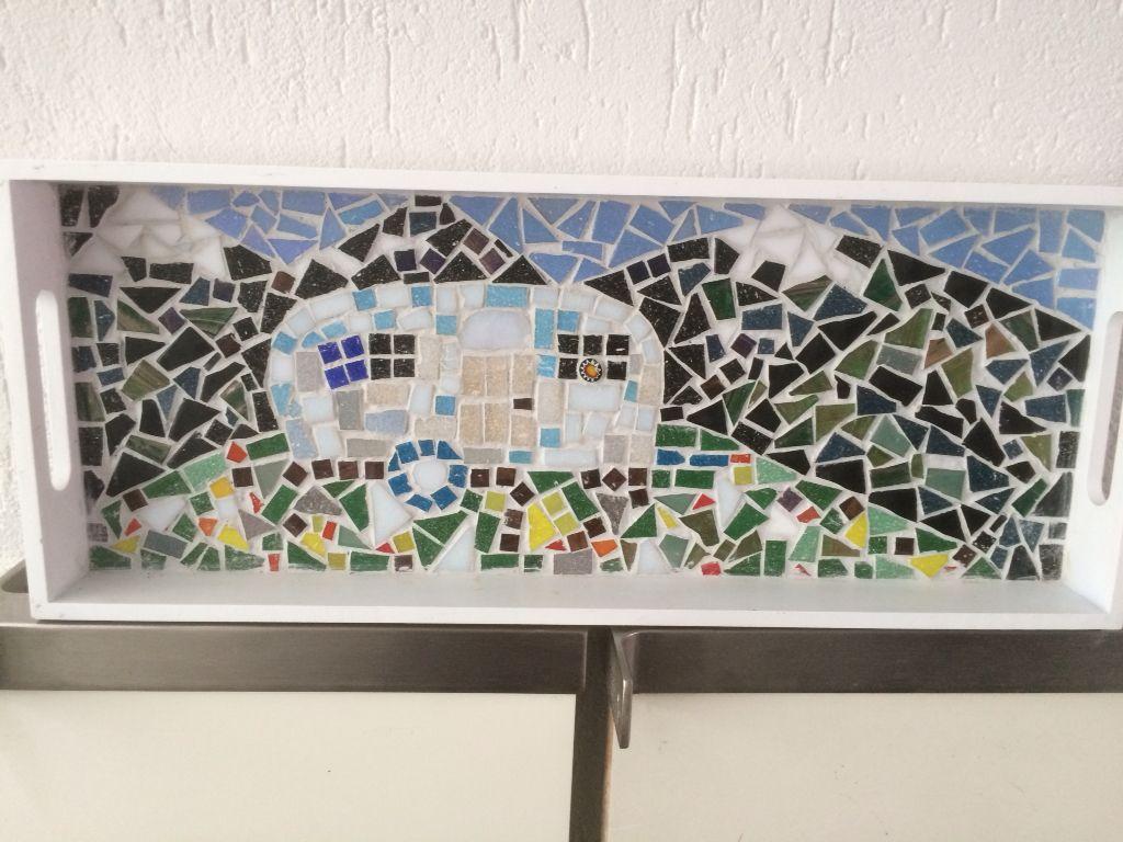 Caravan mozaiek, gemaakt door mijn zusje.