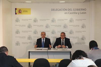 """YA TENÉIS DISPONIBLES LOS NUEVOS CONTENIDOS DE LA REVISTA DE CASTILLA Y LEÓN JUNTO AL TEMA DESTACADO DE LA SEMANA:  Ramiro Ruiz Medrano: """"Son unos presupuestos sociales, equitativos e inversores"""" http://revcyl.com/www/index.php/politica/item/4659-ramiro-ruiz-medrano-""""son-unos-presupuestos-sociales-equitativos-e-inversores"""""""