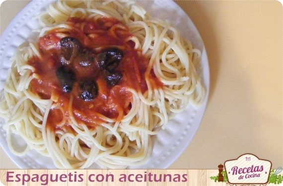 Receta f cil y econ mica espaguetis con aceitunas pasta for Cenas rapidas y economicas