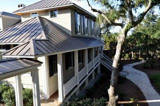 Best If You Are Choosing A Metal Roof Color For Your Home And 640 x 480