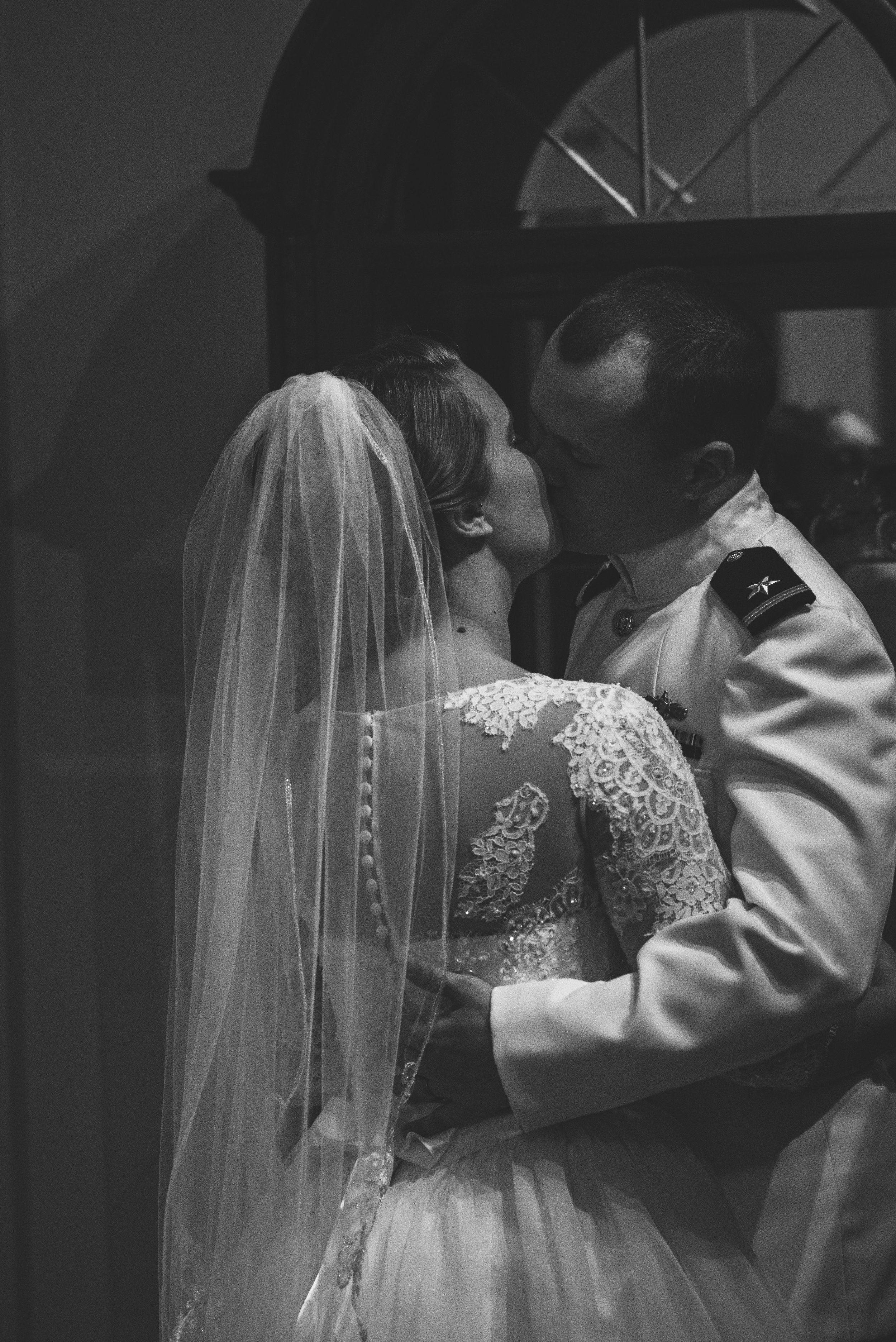Bride And Groom Wedding Portraits Toledo Venues Nazareth Hall Grand