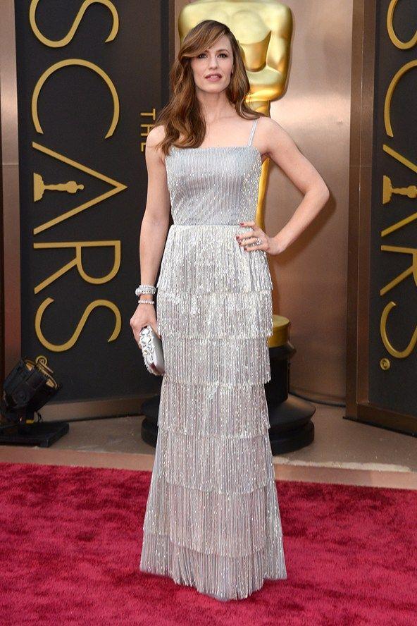 Jennifer Garner in Oscar de la Renta   Nice dresses, Red ...