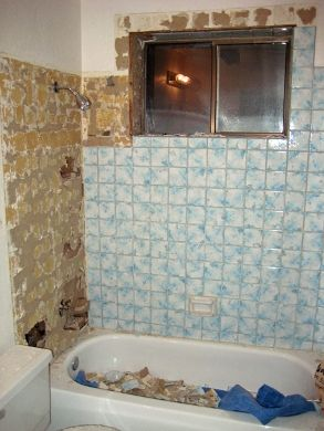 Retiling Tub Surround Is A Case Of Keeping Dry Repair Home Tub Surround Tile Tub Surround Bathtub Design