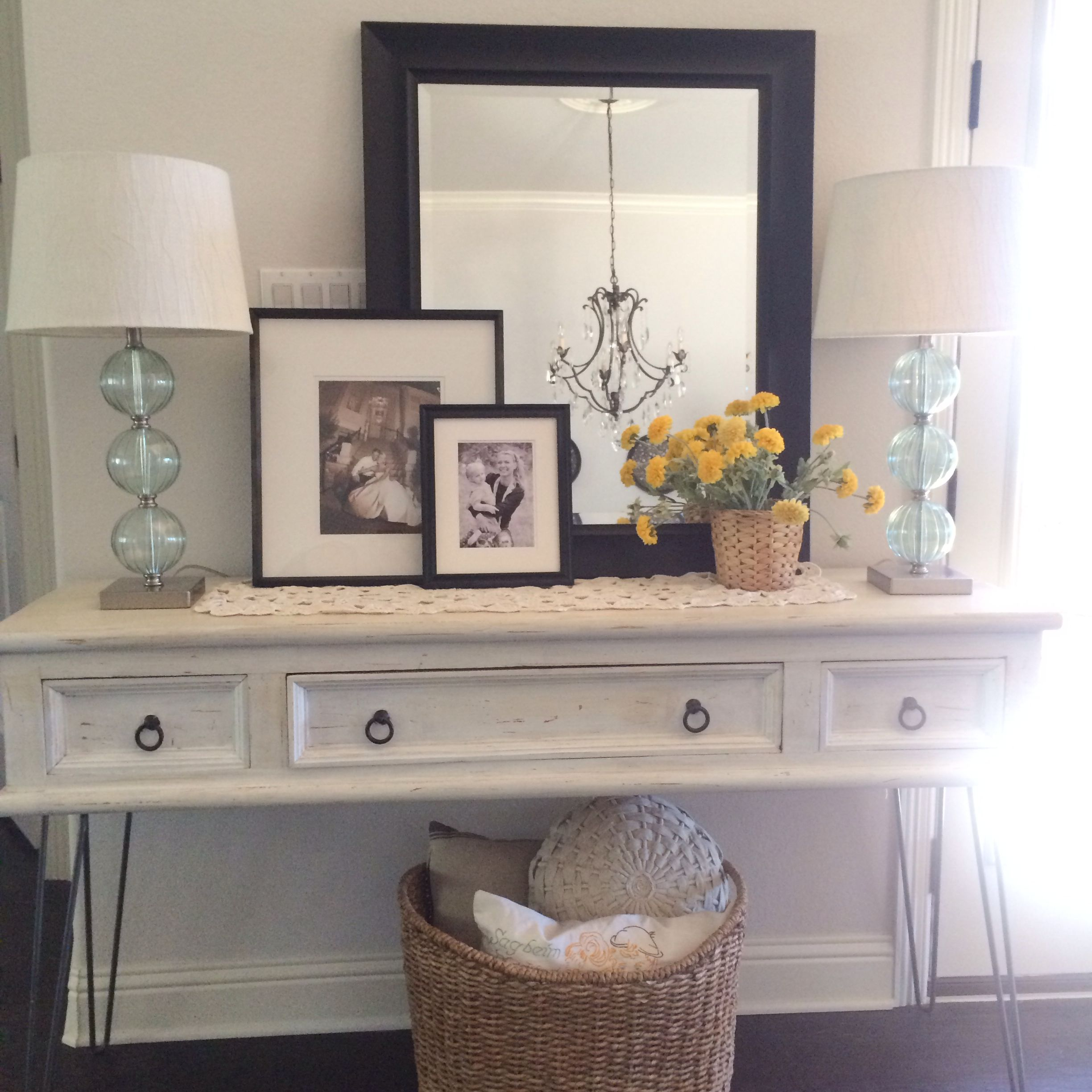 Foyer Table Lamps : Console table layering with two lamps for the home