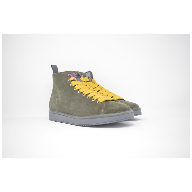 Polacchino in pelle scamosciata verde #sneakers #man #shoes