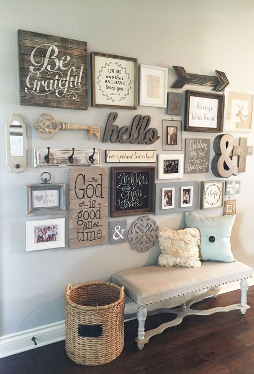 Beau Cool DIY Farmhouse Style Decor Ideas U2013 Entryway Gallery Wall U2013 Rustic Ideas  For Furniture, Paint Colors, Farm House Decoration For Living Room, ...