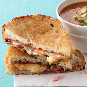 Southwestern Grilled Cheese  Serve with roasted tomato soup  http://www.womansday.com/recipefinder/roasted-tomato-soup-recipe-wdy0313