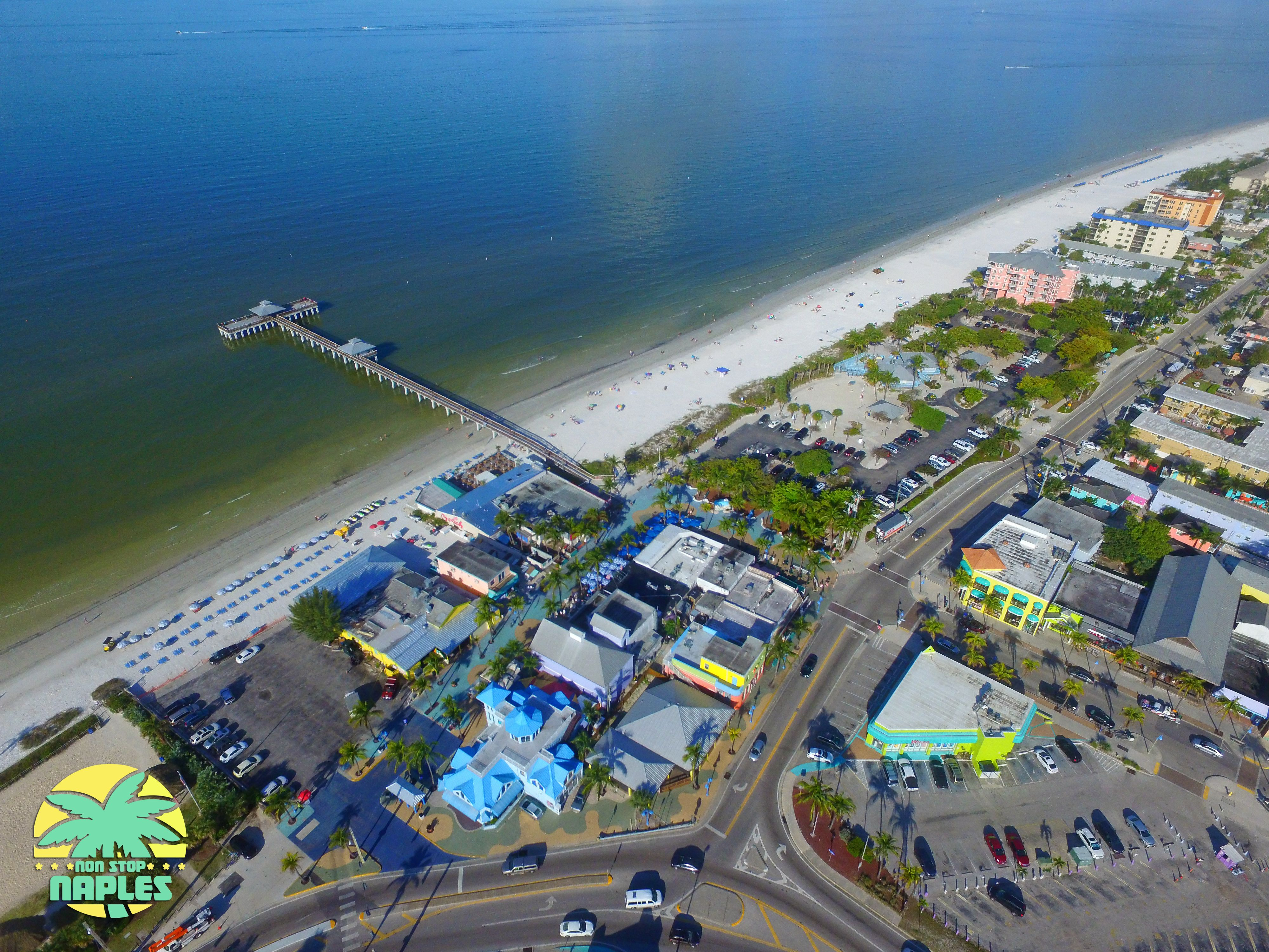 Fort Myers Beach Times Square Street Performers Live Music Restaurants S Definitely Check It Out Nonstopnaples Fortmyersbeach
