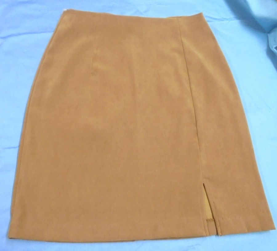 BE SMART * Straight SKIRT * Size: Petite Small 3/4 * Back Zipper Polyester/Spanx #BESMART #STRAIGHTSKIRT