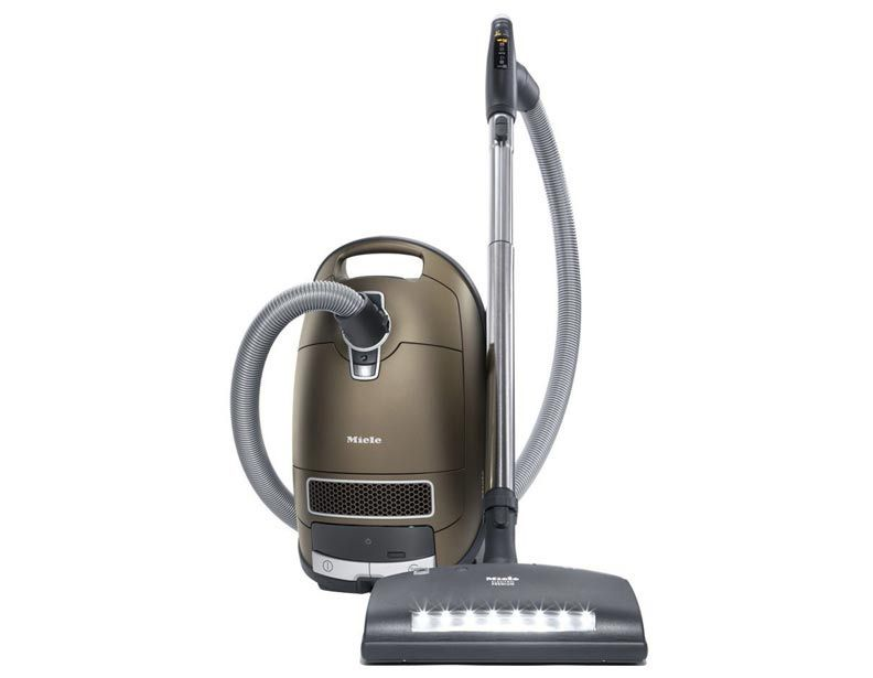 Offering 1 200 Watts Of Vortex Motor Power And Casting A Looming Shadow Over Dust And Other Harmful Partic Miele Vacuum Canister Vacuum Cleaner Canister Vacuum