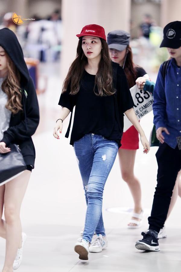Red Velvet Seulgi Airport Fashion 150804 2015 Kpop Velvet Fashion Kpop Fashion Fashion