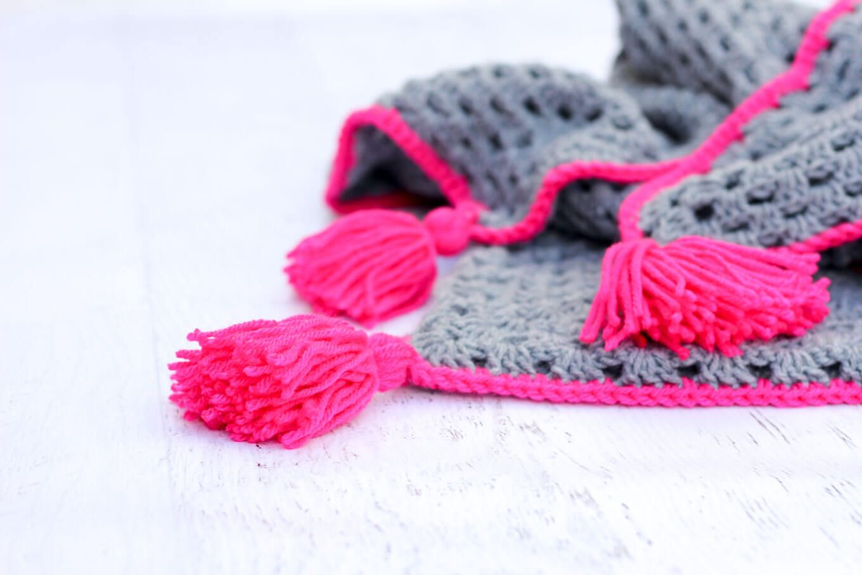 dd38376fb914 Modern Crochet Hooded Baby Blanket - free pattern for charity ...