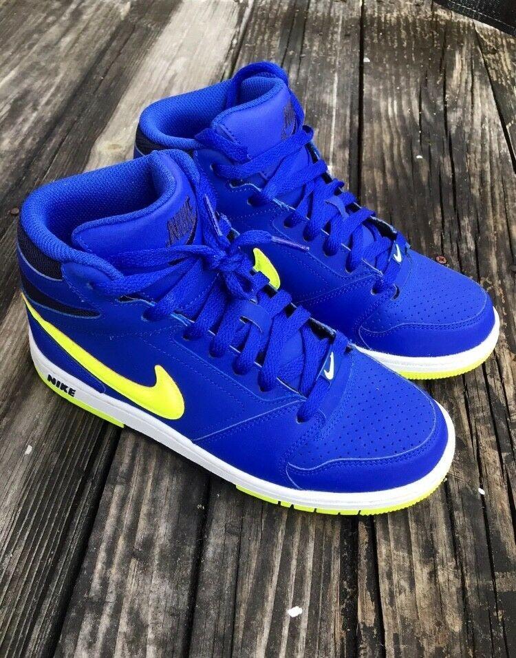 Yellow nikes, Nike shoe size, Boys shoes