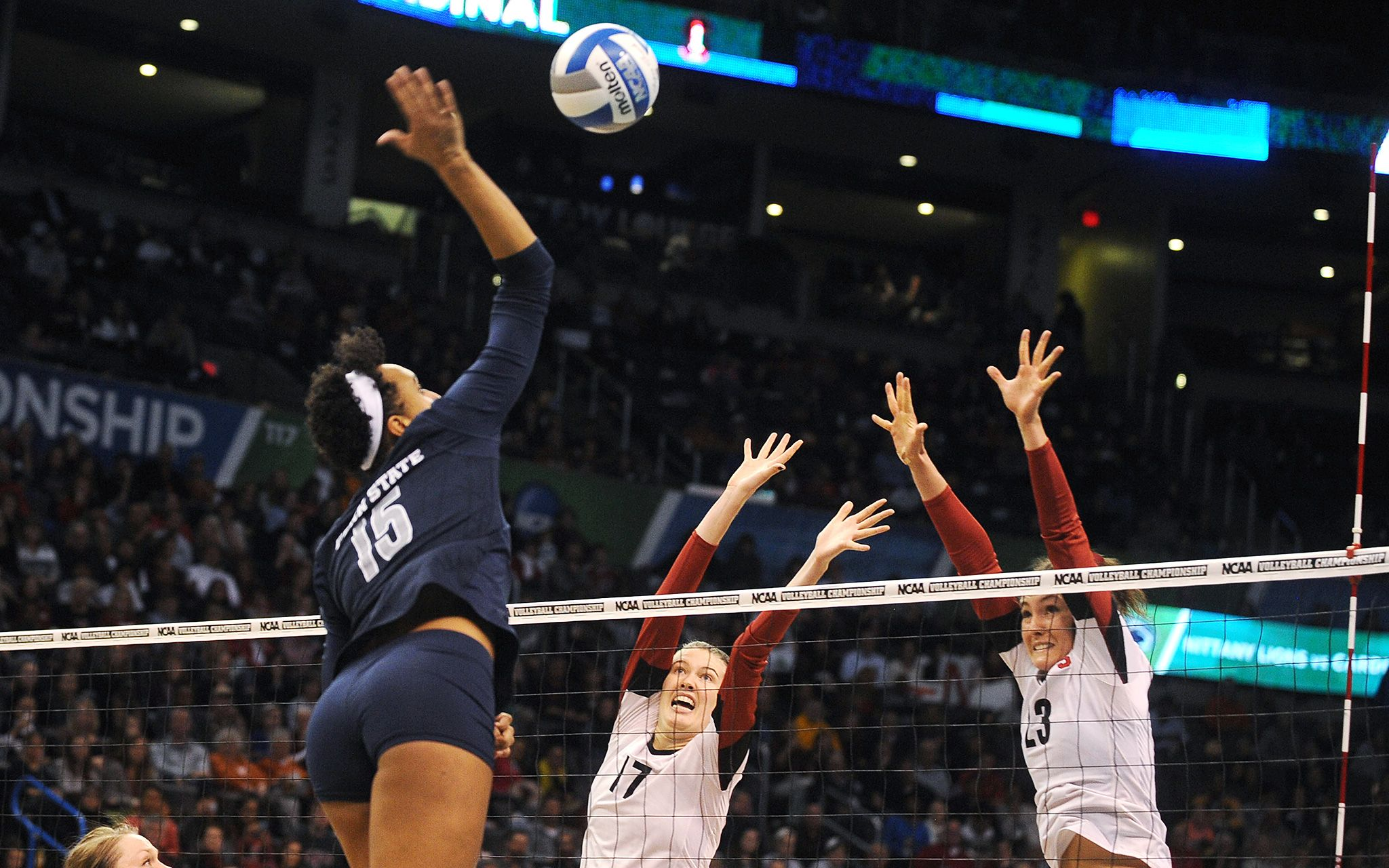 2014 Ncaa Women S Volleyball Championship Women Volleyball Volleyball Photos Sport Volleyball