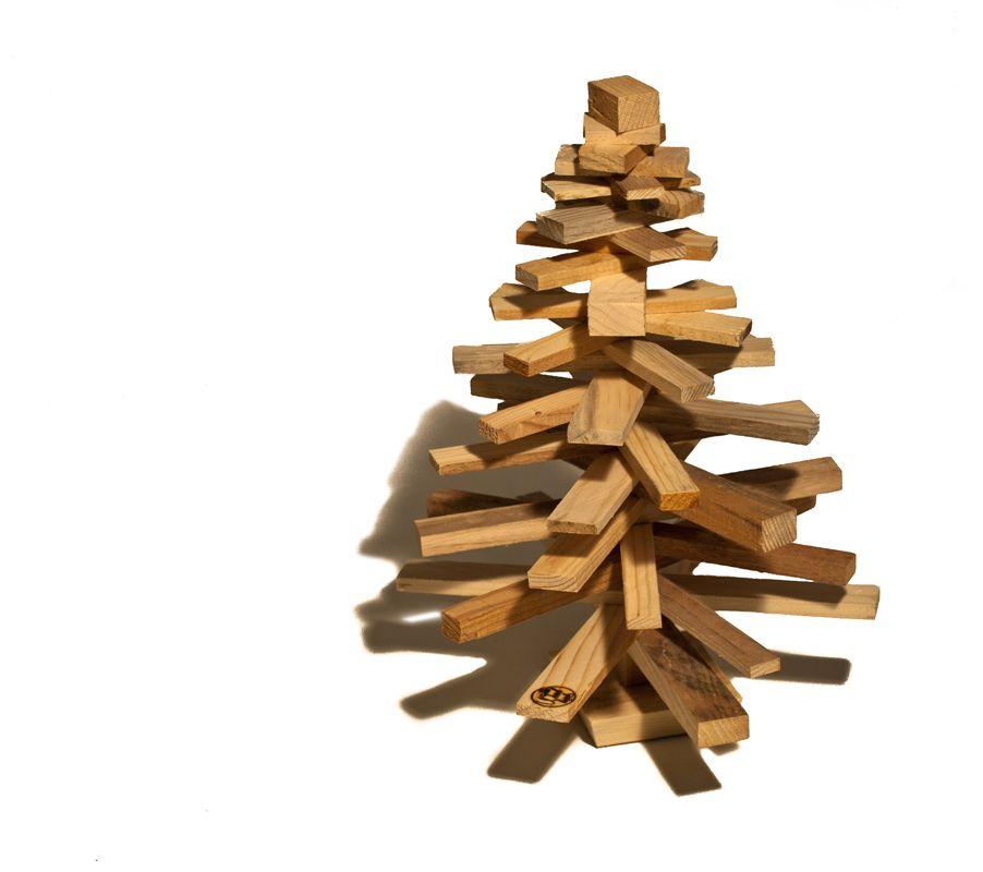 Arbol de navidad hecho con tablas de madera reciclada - Arboles de navidad de madera ...
