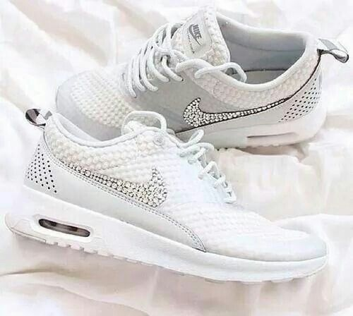 95facd0178 White Nikes with diamonds | W0rKiNg OuT & 3@ThiNg W3ll in 2019 ...