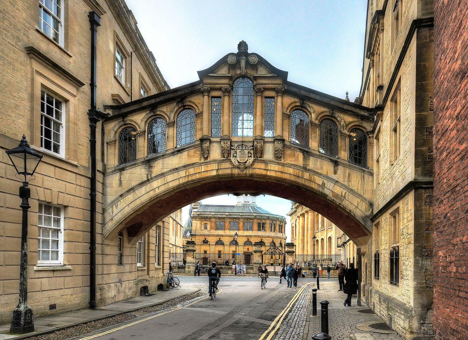 The Bridge Of Sighs Oxford Dream City Oxford Oxford England