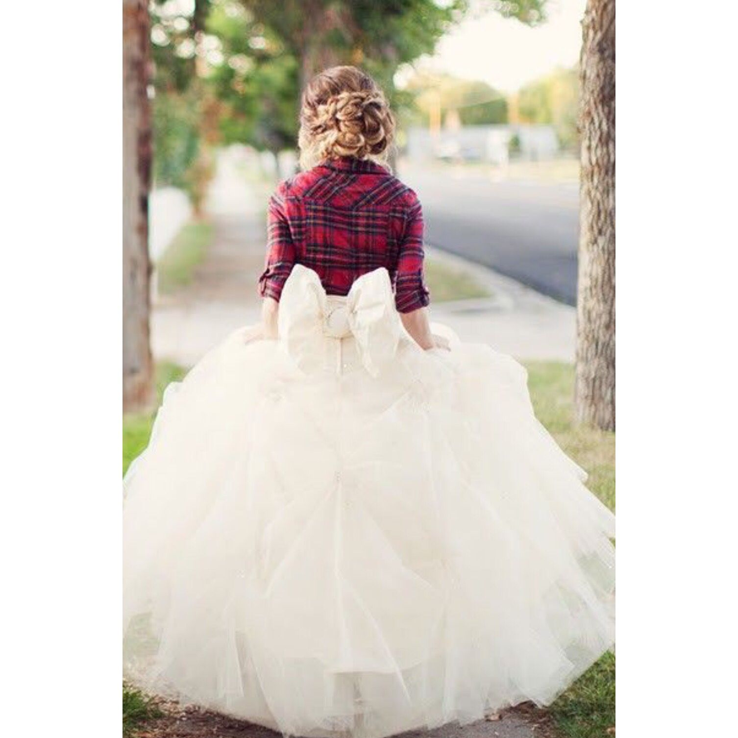 Wedding dresses with cowgirl boots  Pin by Cristina on Engagement Photo Ideas  Pinterest  Wedding