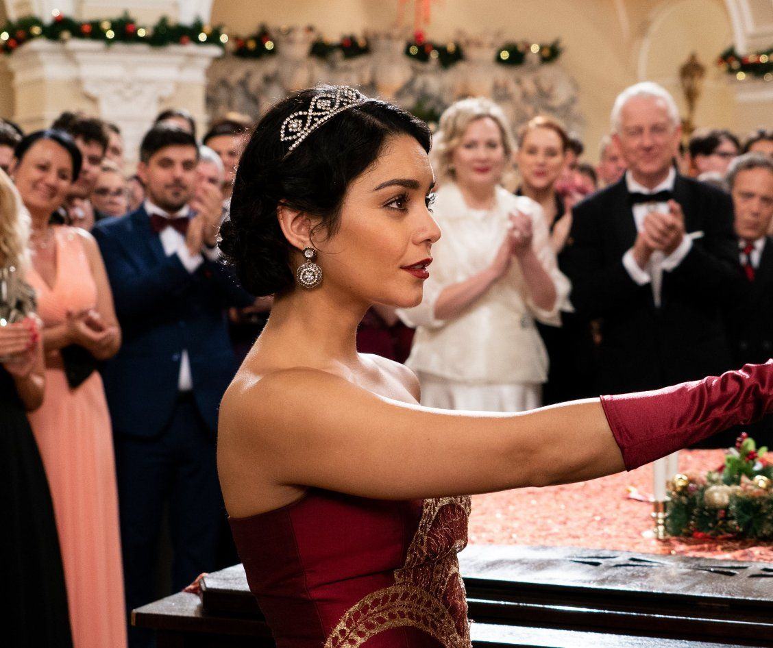 Watch The First Trailer For Vanessa Hudgens Netflix Holiday Movie The Princess Switch Netflix Holiday Movies Vanessa Hudgens Holiday Movie
